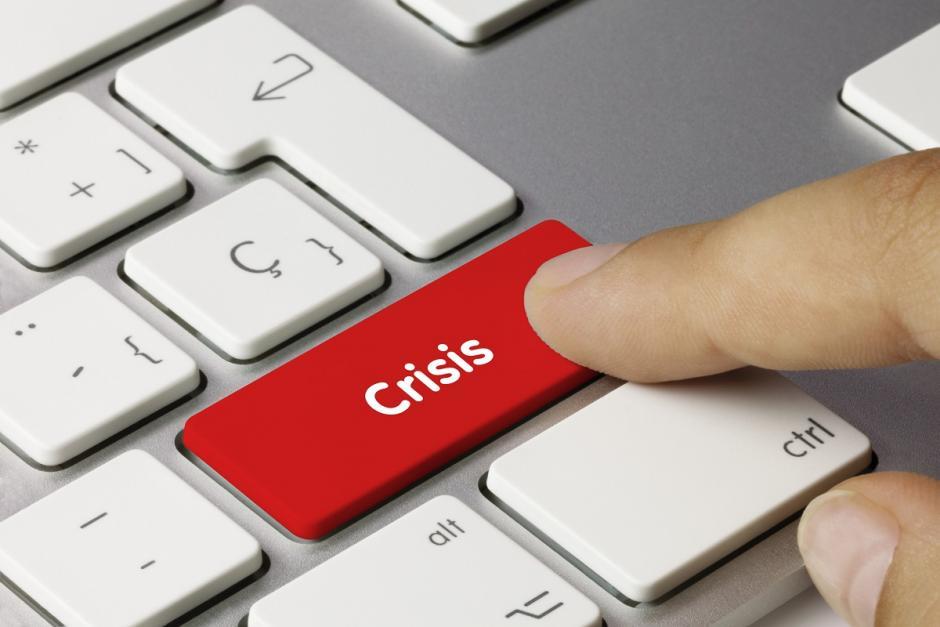 Gestión de reputación y manejo de crisis en redes sociales y medios digitales