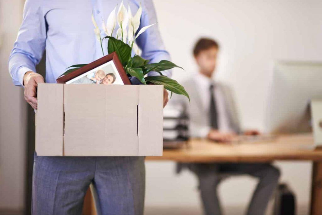 Cómo despedir y vincular al personal de tu empresa de forma simultánea
